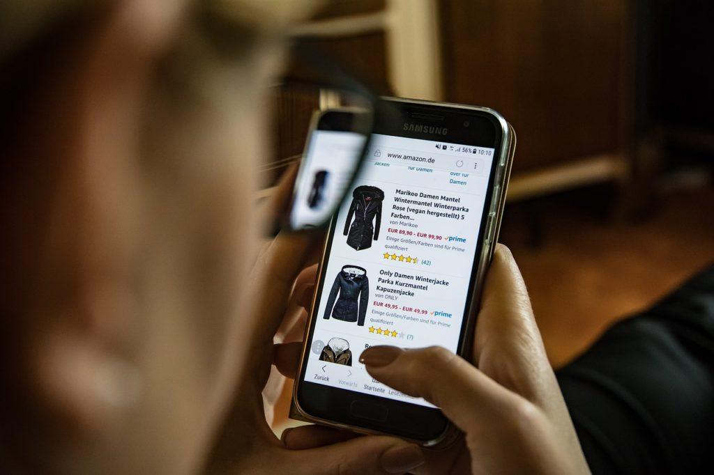 La Thaïlande prévoit d'introduire une taxe sur le commerce électronique l'année prochaine