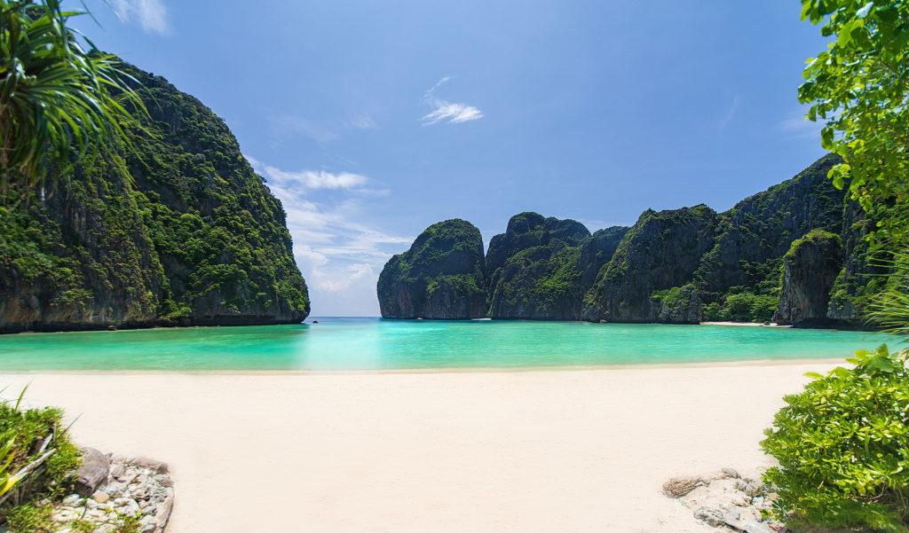 Koh Phi Phi : Maya Bay pourrait rouvrir de façon limitée en 2021