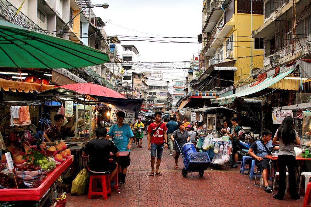 Une étude révèle que la plupart des Thaïlandais vivent au jour le jour