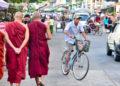 Les investissements étrangers devraient stimuler la croissance du Myanmar, mais des risques politiques subsistent
