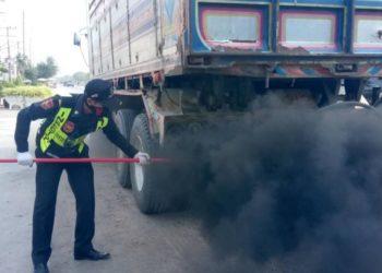 Pollution : plus de 8 000 véhicules contrôlés non conformes à Bangkok au mois de janvier