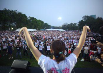 Des milliers de personnes se rassemblent à Bangkok contre le Premier ministre au cours d'une « course contre la dictature »
