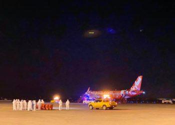 138 Thaïlandais évacués de Wuhan, 3 autres contraints de rester en Chine