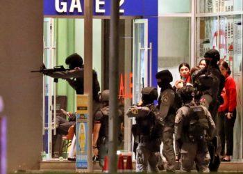 Prise d'otage en Thaïlande : le tireur abattu dans le centre commercial de Korat, au moins 21 morts