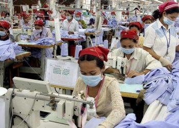 Le coronavirus Covid-19 heurte l'activité des usines cambodgiennes