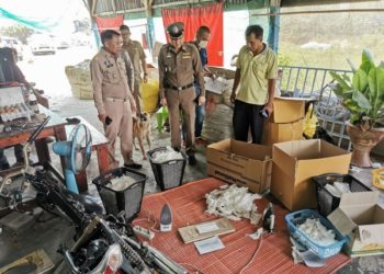Thaïlande : raid dans un atelier soupçonné de recycler des masques usagés