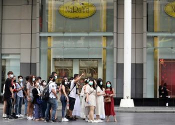 Les arrivées de touristes en Thaïlande dégringolent de 44,3 % en février sur fond de coronavirus Covid-19