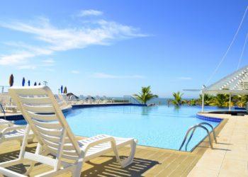 Alors que le coronavirus Covid-19 se propage, les hôtels de Phuket suspendent leurs nouveaux projets