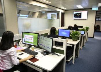 La majorité des salariés thaïlandais et malaisiens craignent de retourner au bureau face au risque de coronavirus