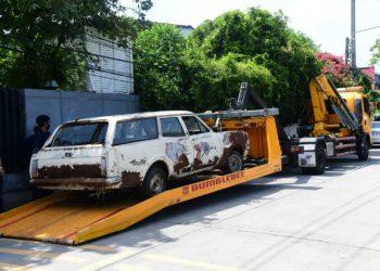 Bangkok : la municipalité lance l'enlèvement des voitures abandonnées