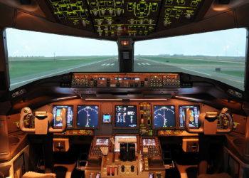 Thai Airways : en crise, la compagnie ouvre ses simulateurs de vol au public pour tenter de gagner de l'argent