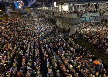 Manifestations en Thaïlande : 4e jour consécutif de rassemblement à Bangkok malgré l'état d'urgence renforcé