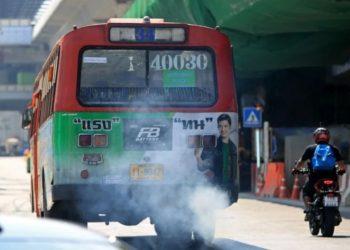 Bangkok : un tiers des bus et poids lourds ne respectent pas les normes antipollution