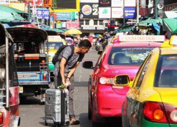 Bangkok : les passagers des taxis dans les aéroports doivent désormais payer des frais supplémentaires pour leurs bagages